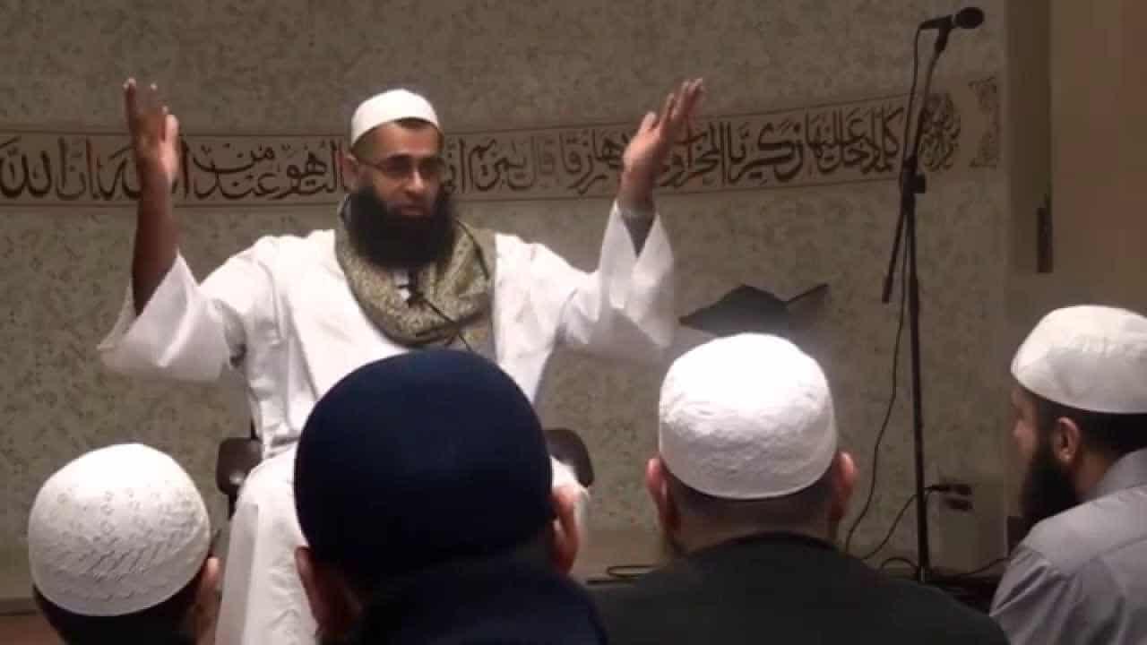 Abdur Rahman ibn Yusuf – Attaining Steadfastness in a Fast Changing World