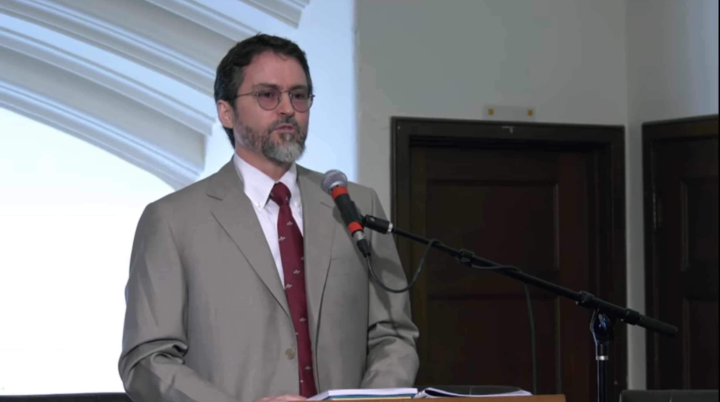 Hamza Yusuf – The Roots of Our Crises