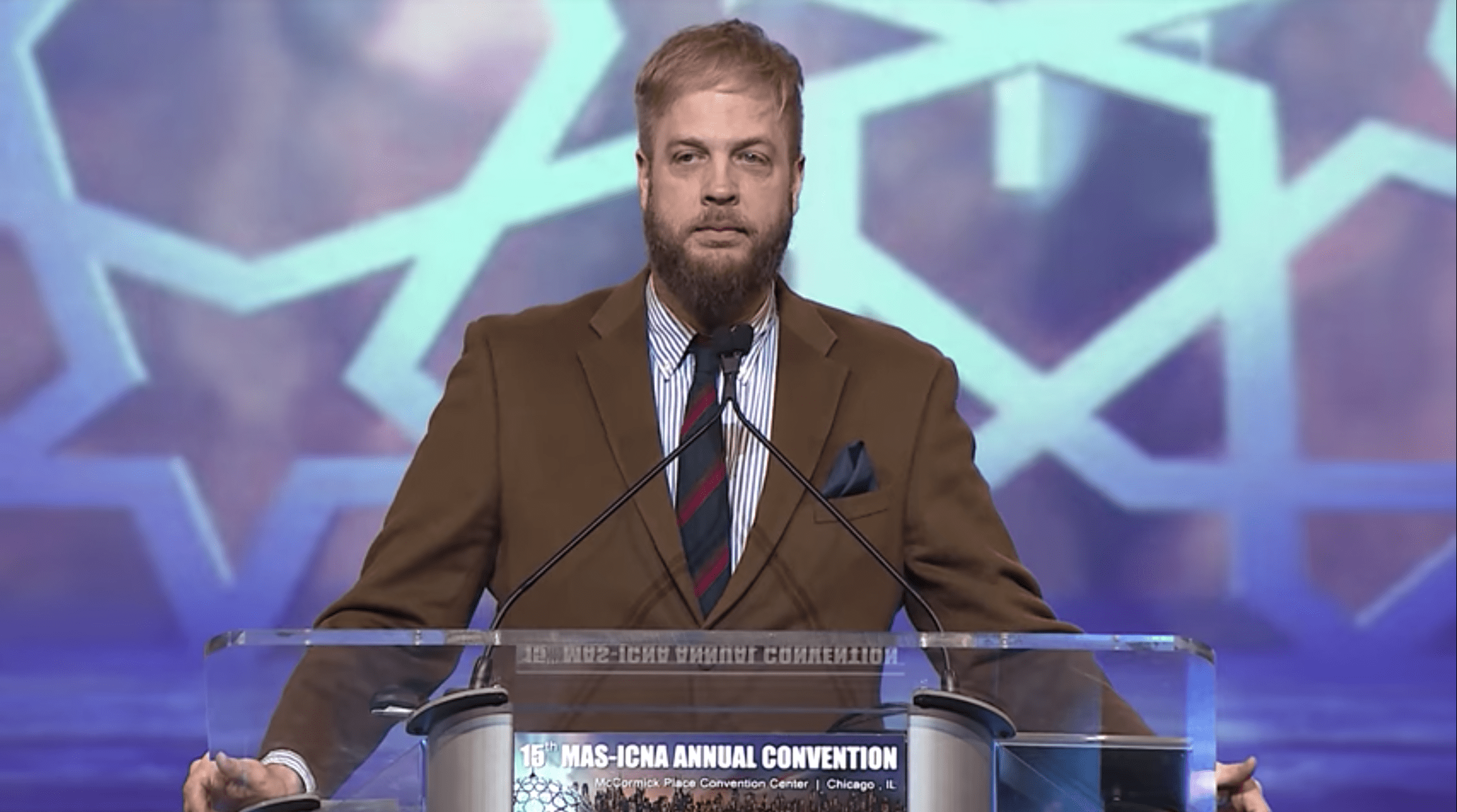 Suhaib Webb – A Shahada and Struggling Between Islamic Teaching & American Etiquette