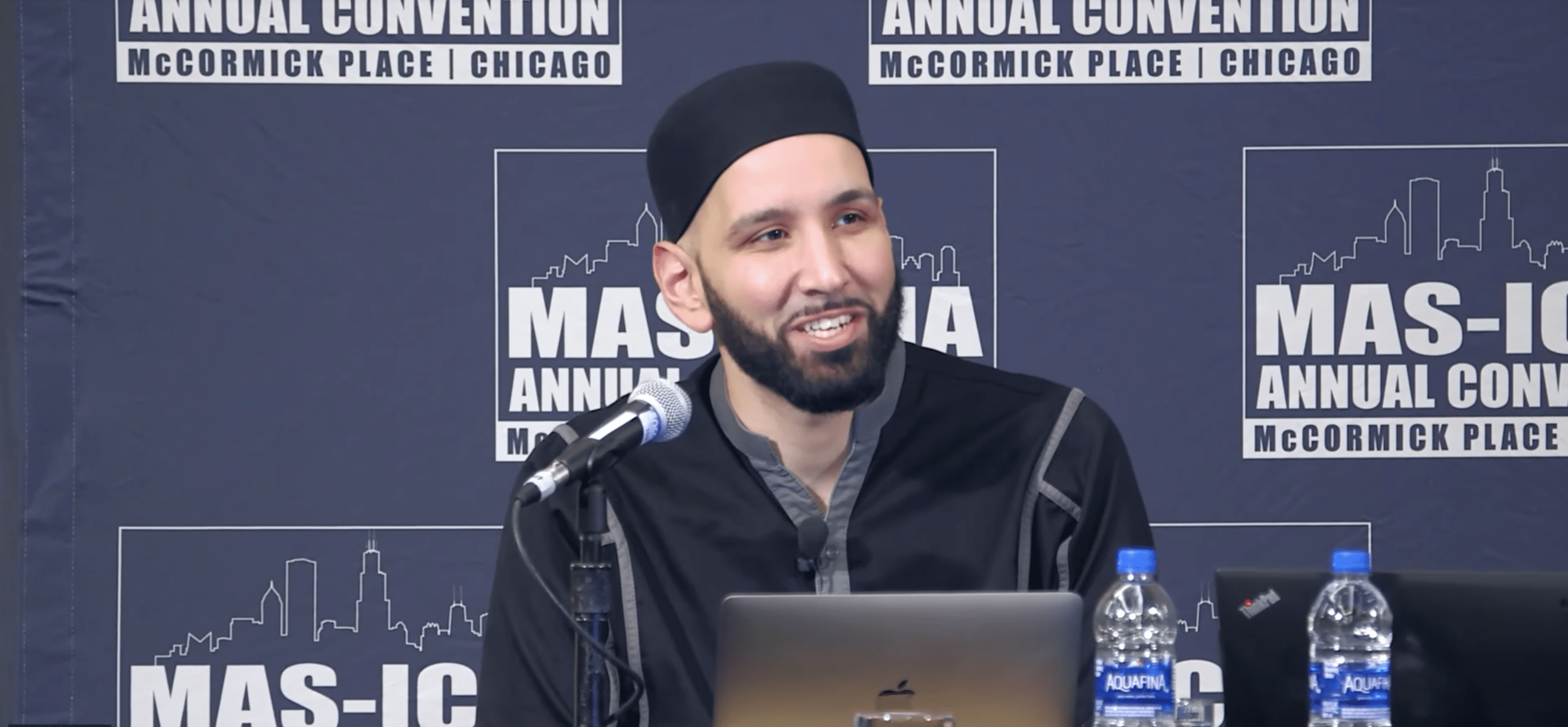 Omar Suleiman – Two Lights Enveloped in Darkness